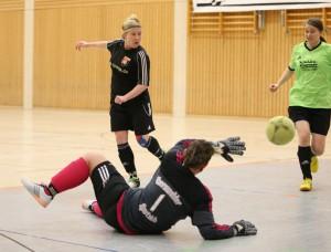 eintracht-spielerin-anja-hiecke-l-erzielte-in-dieser-szene-das-2-0-im-match-gegen-den-eberswalder-sc